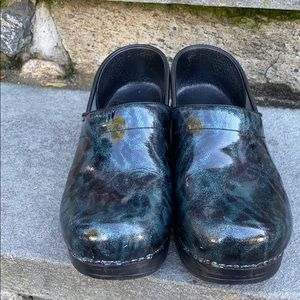 Dansko Blue Patent Leather Clogs Euro 38 USA 8